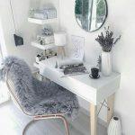 میز آرایش و آینه 8