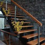 راه پله چوبی 62