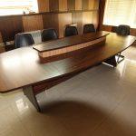 میز کنفرانس 111