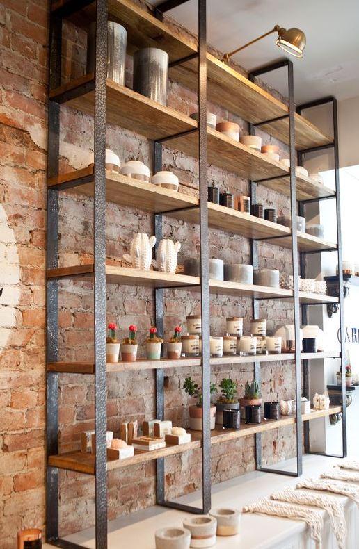 قفسه چوبی و فلزی